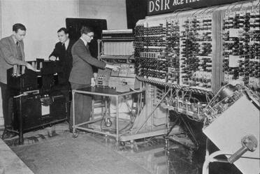 Primo computer a Londra, il più veloce del mondo a 1MHz. Maggio 1950