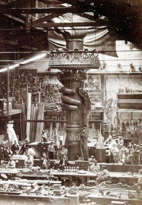 Statua della Libertà in costruzione