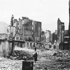 La città basca di Gernika fu bombardata e distrutta dai tedeschi. Gernika il giorno dopo, 26 aprile, 1937