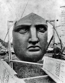Il viso della Statua della Libertà prima di venir installata, 1886