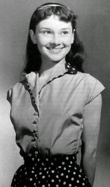 Audrey Hepburn a 13 anni, 1942