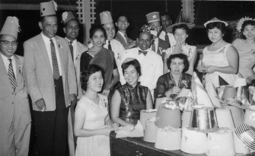 Capodanno all'Hotel Majestic (primi anni '60) Da sinistra Richard Pavee, C. Ayadurai, Lee Kek Siong