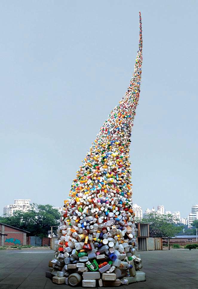 """""""Tornado""""dell'artista cineseWang Zhiyuan"""