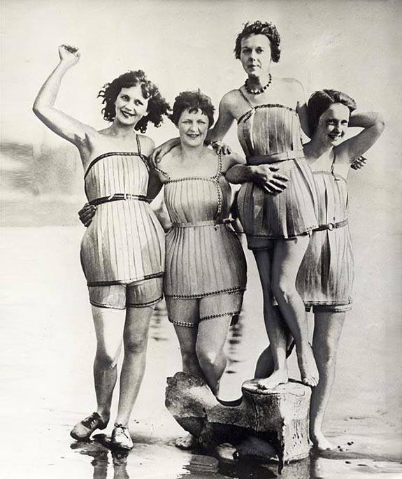 Costumi da bagno di legno (USA, 1925)