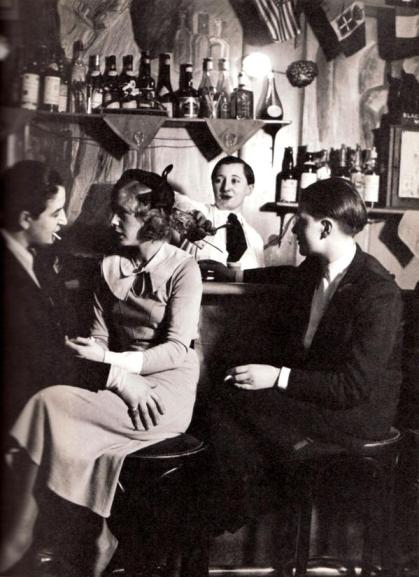 Bar lesbo, Parigi 1930 by George Brassaï
