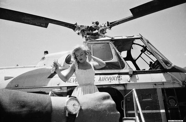 Marilyn che arriva in elicottero, 2 Luglio 1957, New York, Stati Uniti d'America