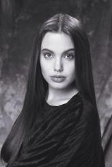 Angelina Jolie teenager