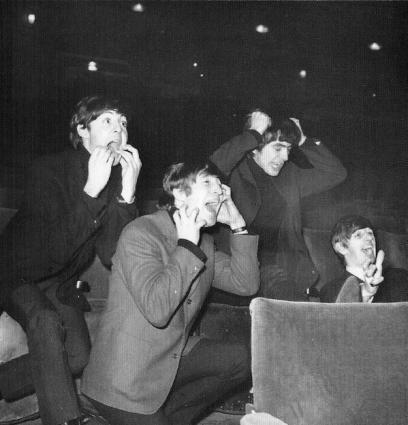 I Beatles imitano i propri fan