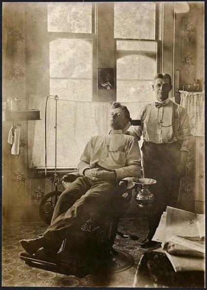 Il dentista e il suo paziente