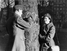 Canadian Women's Army Corps (CWAC) - Foto per gentile concessione di Galt Museum e Archives on The Commons, fotografia scattata il 14 febbraio 1944