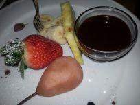 Home social restaurant Cagliari - fonduta di cioccolato fondente e frutta fresca