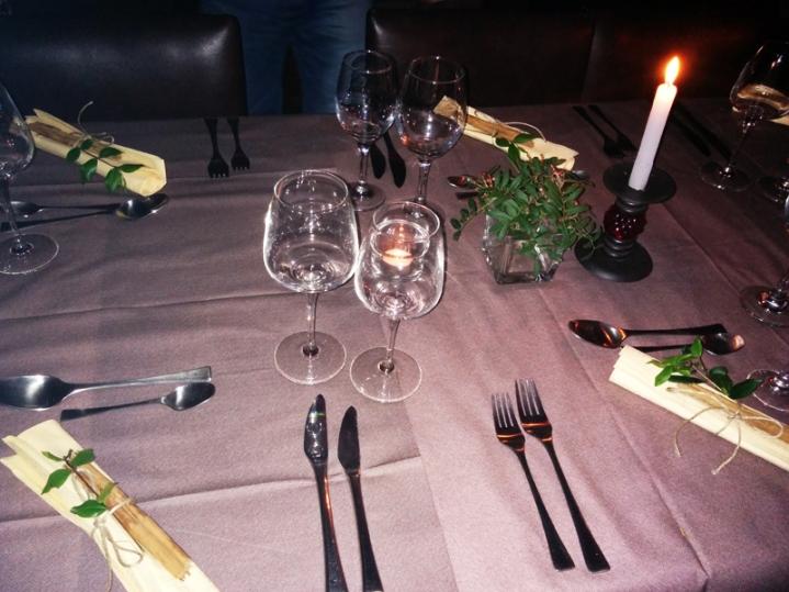Home social restaurant Cagliari - tavola apparecchiata (dettaglio)