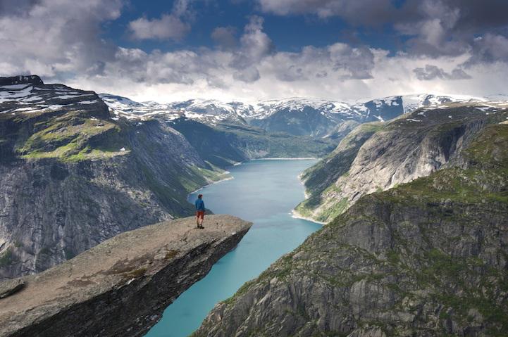 Roccia di Trolltunga in Norvegia - Foto di Robin Ševčík
