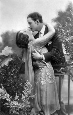 The lover's embrace ( c. 1920)