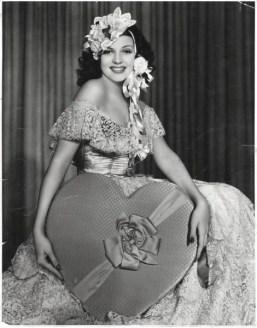 Foto vintage di attrici di Hollywood in posa per San Valentino