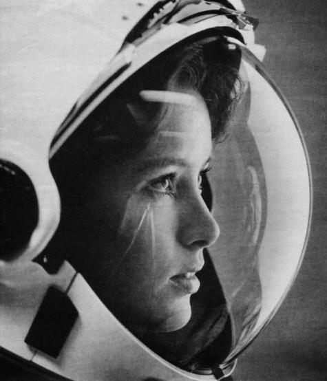 """Anna Fisher, un'astronauta americana e """"la prima madre nello spazio"""". [1984]"""