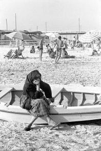 Cagliari - Spiaggia del Poetto 1955 - Foto di Mario De Biasi