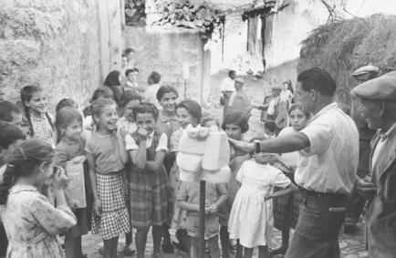 Carlo Bavagnoli - Costantino Nivola, mostra ad Orani, marzo 1958