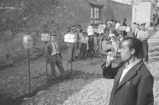 """Carlo Bavagnoli - Su """"bandidore"""" annuncia la mostra di Costantino Nivola, Orani, marzo 1958"""
