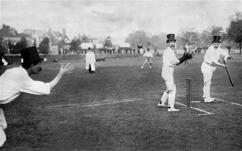 Cricket col cappello a cilindro, 1908