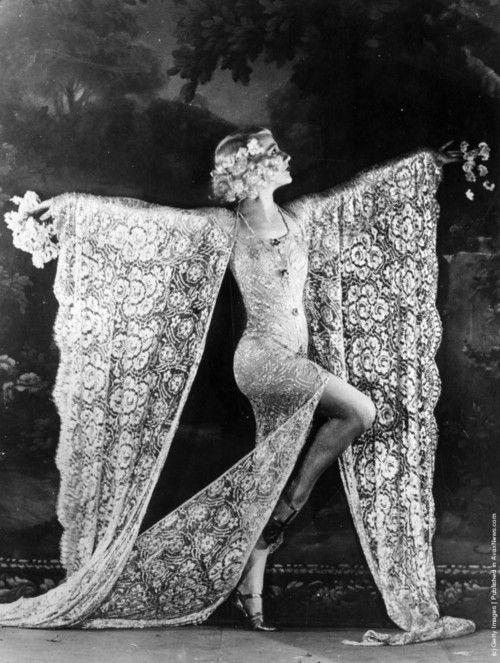 Danzatrice al Moulin Rouge, 1926