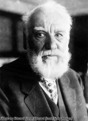 7 marzo 1876. Alexander Graham Bell brevetta il telefono