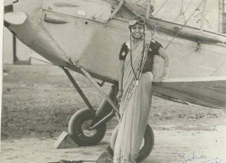 Sarla Thakral è diventata la prima donna indiana a ottenere una licenza di pilota a 21 anni. [1936]