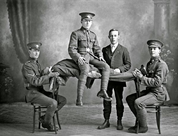 Dimostrazione di ipnosi, Nuova Zelanda, c.1914