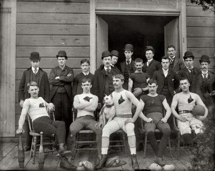 Squadra di calcio. Circa 1895-1910