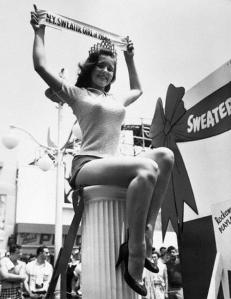 N.Y. - Sweater Girl, 1956