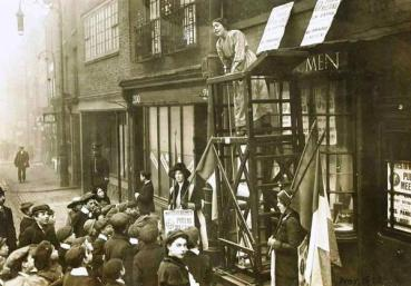Sylvia Pankhurst. Old Ford Road, Bow. 1912