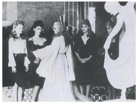 """Le SS corrono al bordello """"The Kitty Salon"""" frequentato da diplomatici stranieri"""