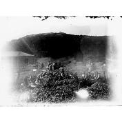 Giulio Pili - Area mineraria del meridione, Donne al lavoro per la cernita della calamina
