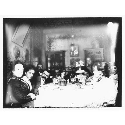Giulio Pili - Cagliari, Gruppo di famiglia borghese a tavola