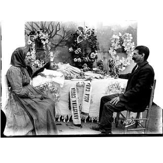 Giulio Pili - Campidano, Esposizione salma di bambina- Annettina Cugia