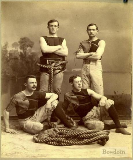 La squadra del tiro alla fune del Bowdoin College