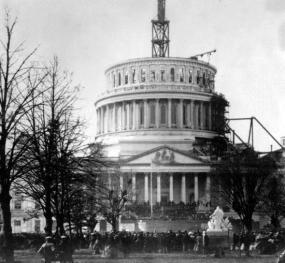L'inaugurazione di Abraham Lincoln, 4 marzo 1861 presso l'incompiuto Campidoglio, di Washington DC