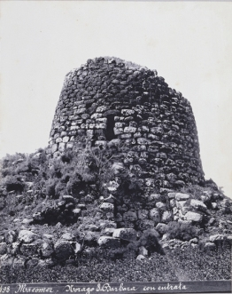 Vittorio Besso - Macomer, Nuraghe Santa Barbara con entrata 1887 ca