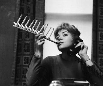 Perché fumare una sigaretta quando si può fumare il pacchetto in una sola volta? 1950