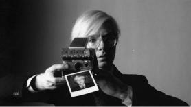 Andy Warhol - Selfie