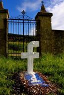 Christian Molin - Follow us on Facebo_ko