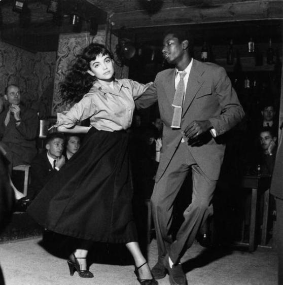 Danza Be Bop a Saint Germain, in Francia. Fotografia di Robert Doisneau, 1951