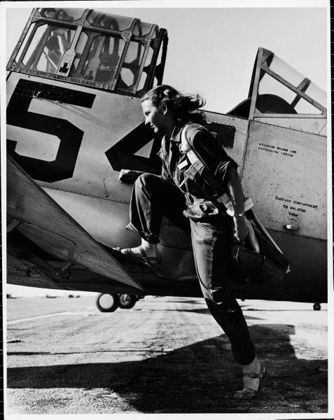 Donna pilota del servizio dell'aeronautica delle donne degli Stati Uniti, 1943
