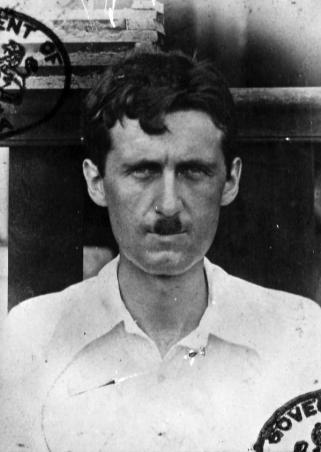 Foto del passaporto di George Orwell, 1920 circa