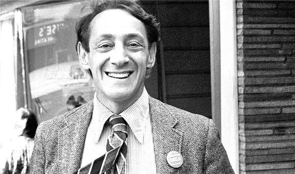 Harvey Milk, il primo uomo apertamente gay eletto a una carica pubblica in Canada