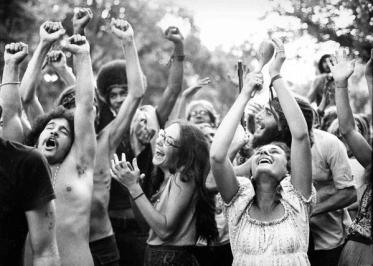 Hippies impazziti durante il primo Summer of Love