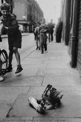 Bambini che giocano a Londra 1945