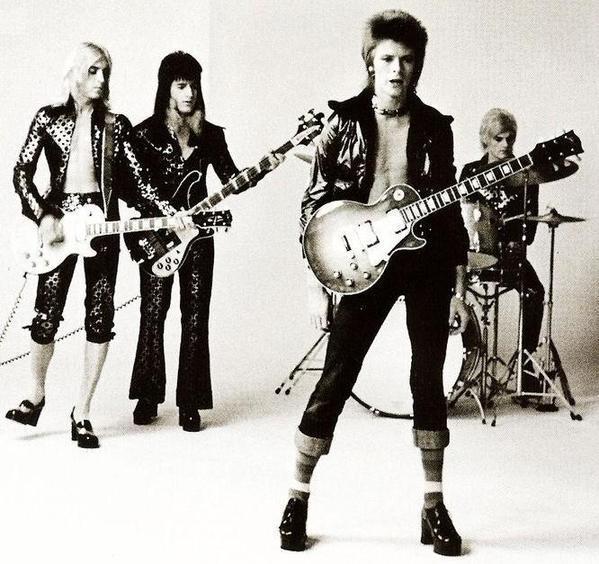 Mick Ronson, Trevor Bolder, David Bowie e Mick Woodmansey, circa 1972