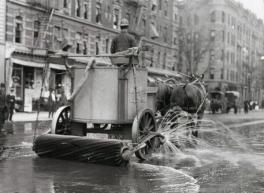 Macchina per pulire le strade a New York, primi del '900