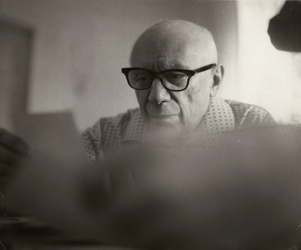 Picasso mentre legge